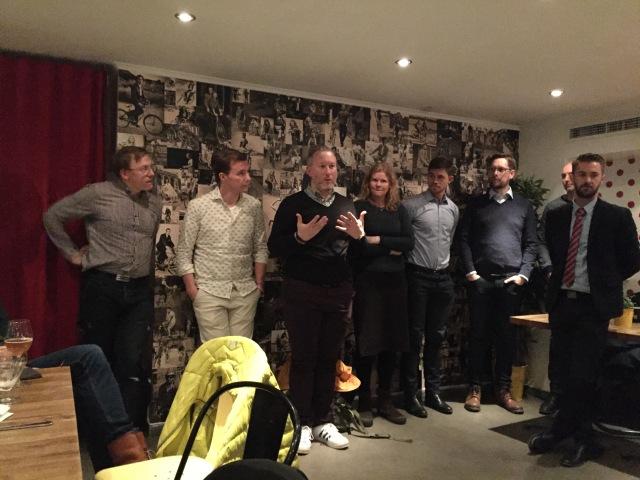 Team Utan Gränsers ledningsgrupp på Café LeMond